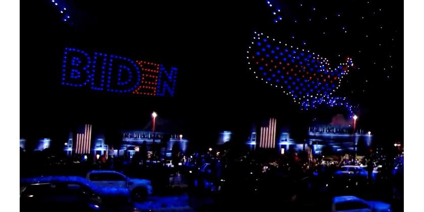 Joe Bidens vindertale blev fejret med drone lysshows og fyrværkeri
